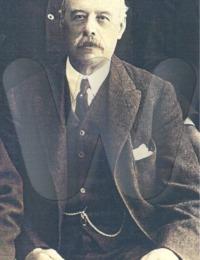 NAYLOR - Alfred at home